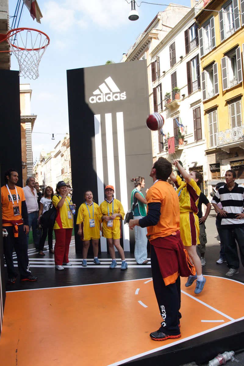 The Line Above 'N' Below Adidas Un canestro per il basket a Roma 03