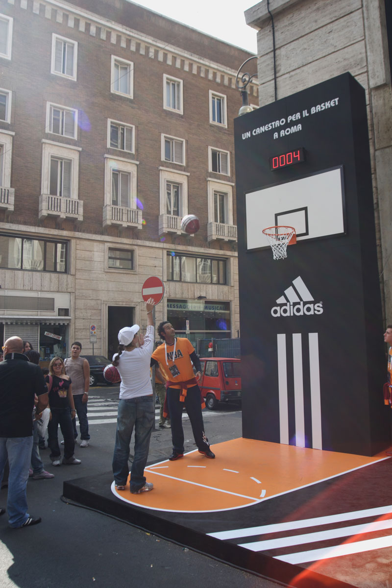 The Line Above 'N' Below Adidas Un canestro per il basket a Roma 05