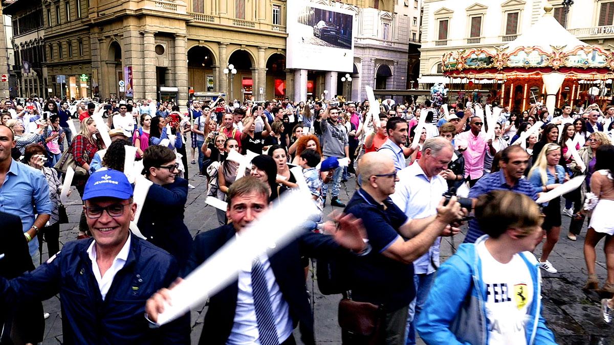 The Line Above 'N' Below Jeunesse flashmob Firenze 02