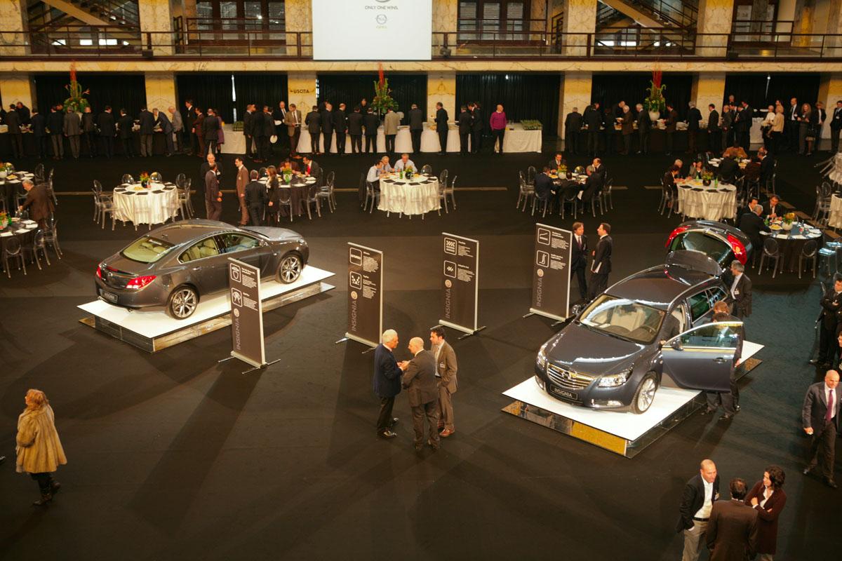 The Line Above 'N' Below Opel Nuova Insignia Lancio & Drive Away 02