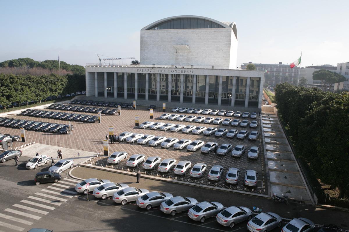 The Line Above 'N' Below Opel Nuova Insignia Lancio & Drive Away 05
